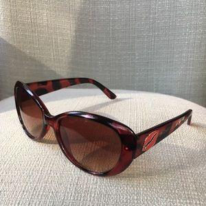 Betray Johnson red tortoise sunglasses